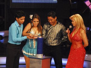 Los Soñadores de la Familia Herrera-Soto, Sandra Muente y Gisela Valcárcel